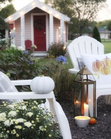 Incredible Autumn Decorating Ideas For Backyard 45