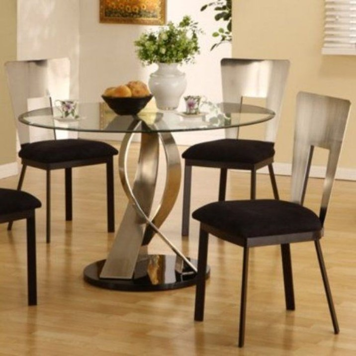 Striking Round Glass Table Designs Ideas For Dining Room 42