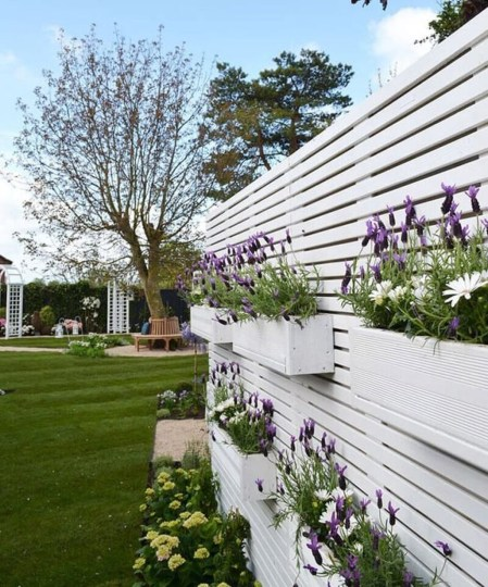 Cute Garden Fences Walls Ideas 27
