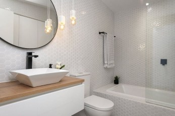 Elegant Bathtub Design Ideas 34