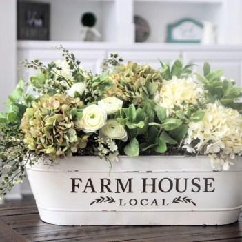 Fabulous White Farmhouse Design Ideas 16