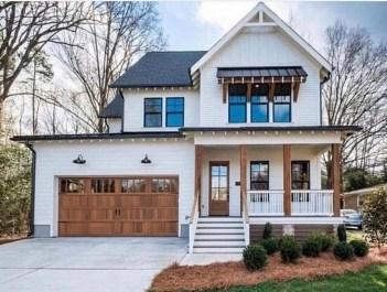 Fabulous White Farmhouse Design Ideas 17