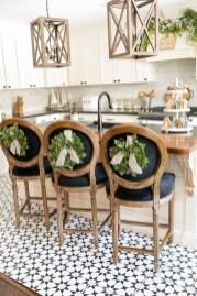 Fabulous White Farmhouse Design Ideas 22