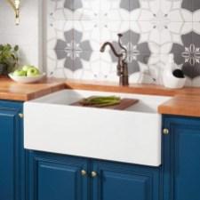 Fabulous White Farmhouse Design Ideas 41