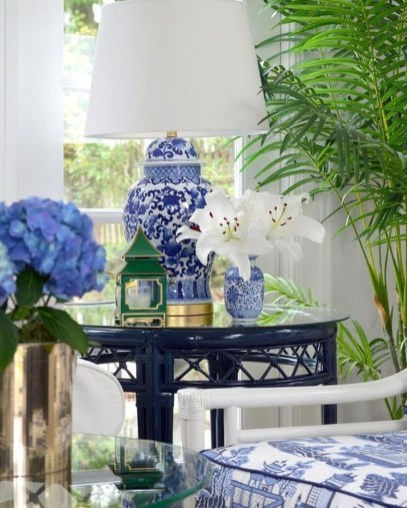 Fancy Living Room Decor Ideas With Ginger Jar Lamps 48