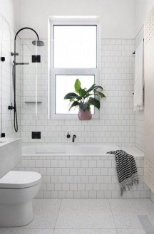Awesome Bathroom Shower Ideas For Tiny House 24