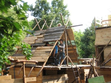 Captivating Treehouse Ideas For Children Playground 48