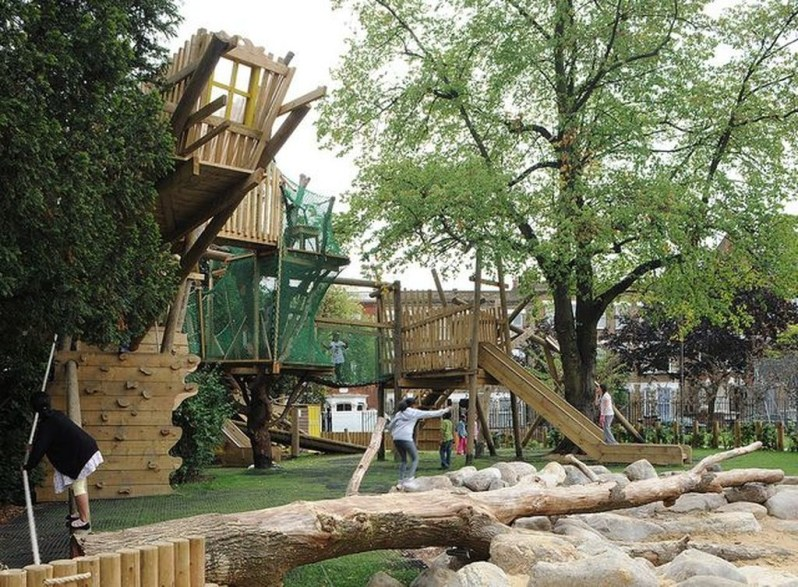 Captivating Treehouse Ideas For Children Playground 50