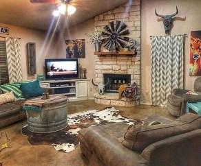 Fancy Farmhouse Living Room Decor Ideas To Try 22