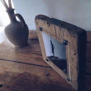Fascinating Wood Photo Frame Ideas For Antique Home 07