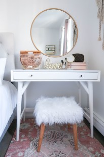 Minimalist Small Space Home Décor Ideas To Inspire You 42