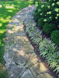 Newest Front Yard Landscaping Design Ideas To Try Now 10