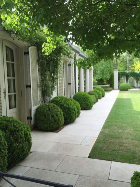 Newest Front Yard Landscaping Design Ideas To Try Now 16
