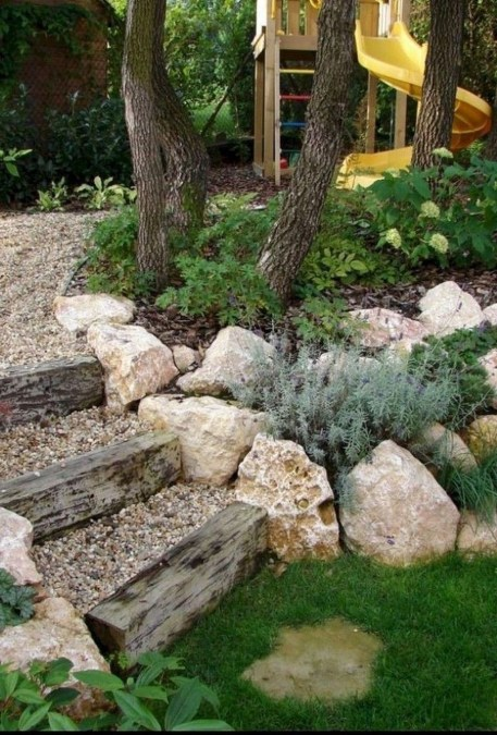 Newest Front Yard Landscaping Design Ideas To Try Now 48