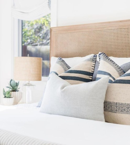 Rustic Pillows Decoration Ideas For Home 26