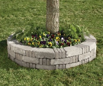 Adorable Flower Beds Ideas Around Trees To Beautify Your Yard 41