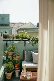 Casual Small Balcony Design Ideas For Spring This Season 34