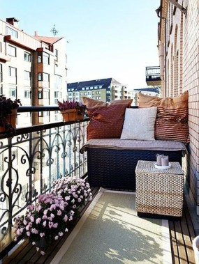Casual Small Balcony Design Ideas For Spring This Season 42