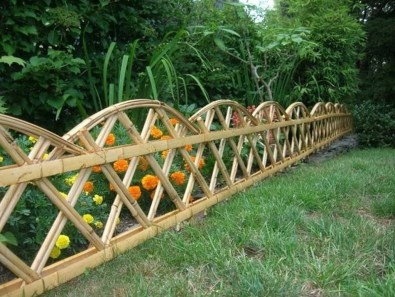 Dreamy Bamboo Fence Ideas For Small Houses To Try 26