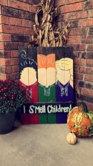Hottest Halloween Decorating Ideas To Try Now 29