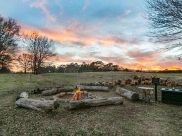 Newest Backyard Fire Pit Design Ideas That Looks Great 17