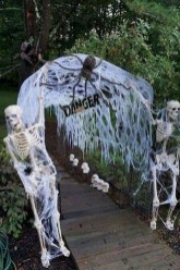 Newest Diy Outdoor Halloween Decor Ideas That Very Scary 02