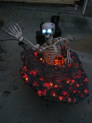 Newest Diy Outdoor Halloween Decor Ideas That Very Scary 10