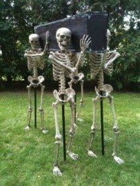 Newest Diy Outdoor Halloween Decor Ideas That Very Scary 22