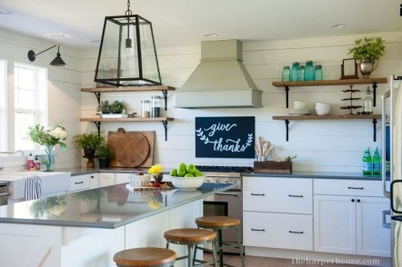 Trendy Fixer Upper Farmhouse Kitchen Design Ideas 41