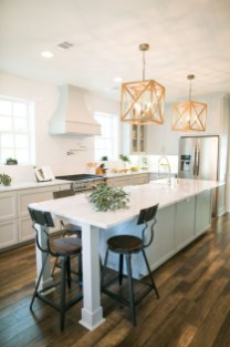 Trendy Fixer Upper Farmhouse Kitchen Design Ideas 43