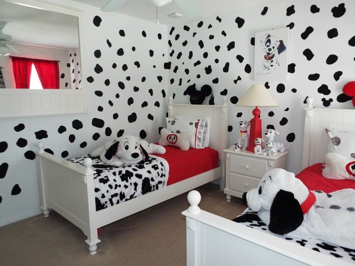 Adorable Disney Room Design Ideas For Your Childrens Room 46