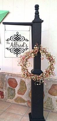 Awesome Christmas Farmhouse Porch Décor Ideas 24