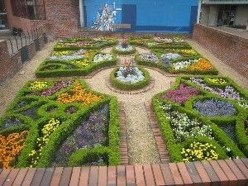 Best Ideas For Formal Garden Design14