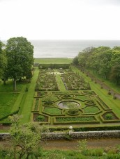 Best Ideas For Formal Garden Design34