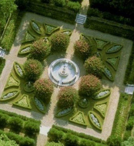 Best Ideas For Formal Garden Design38