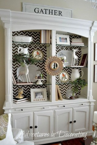 Gorgeous Dining Room Hutch Décor Ideas12