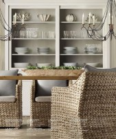 Gorgeous Dining Room Hutch Décor Ideas17