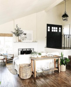 Awesome Living Room Design Ideas With Farmhouse Style37