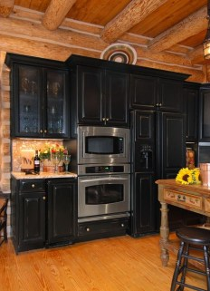 Best Ideas For Black Cabinets In Kitchen04