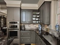Incredible Farmhouse Gray Kitchen Cabinet Design Ideas16