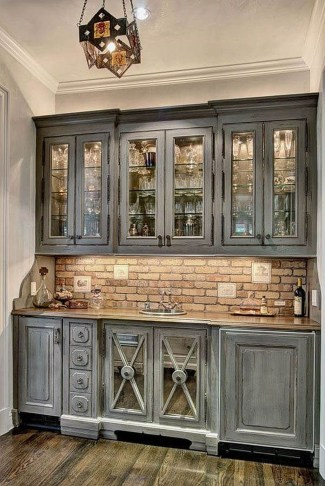 Incredible Farmhouse Gray Kitchen Cabinet Design Ideas18