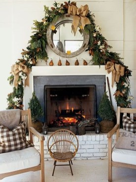 Best Ways To Decorate Your Circle Mirror With Garland27