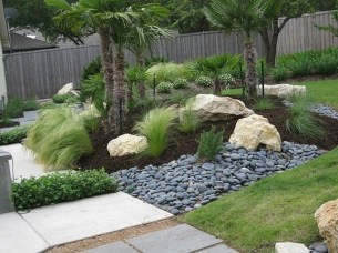 Cool Front Yard Rock Garden Ideas22