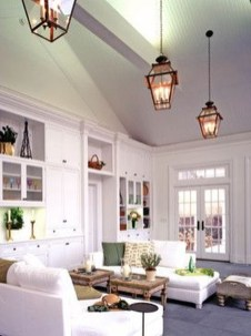 Fascinating Flying Crown Molding Ideas07