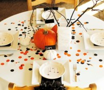 Lovely White And Orange Pumpkin Centerpieces For Fall And Halloween Table08