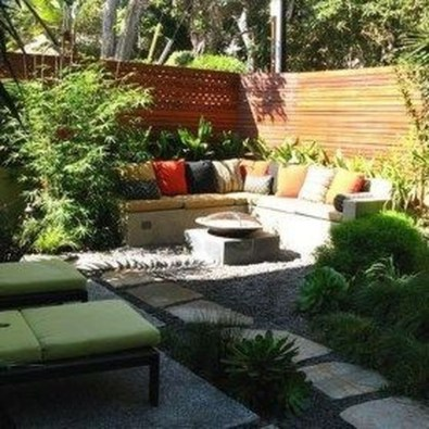 Perfect Diy Seating Incorporating Into Wall For Your Outdoor Space03