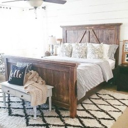 Amazing Farmhouse Style For Cozy Bedroom Decorating Ideas01