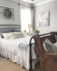 Amazing Farmhouse Style For Cozy Bedroom Decorating Ideas04