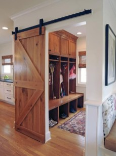 Beautiful Farmhouse Mudroom Remodel Ideas24