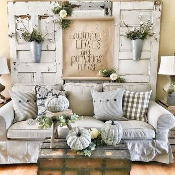 Charming Home Fall Decorating Ideas With Farmhouse Style01